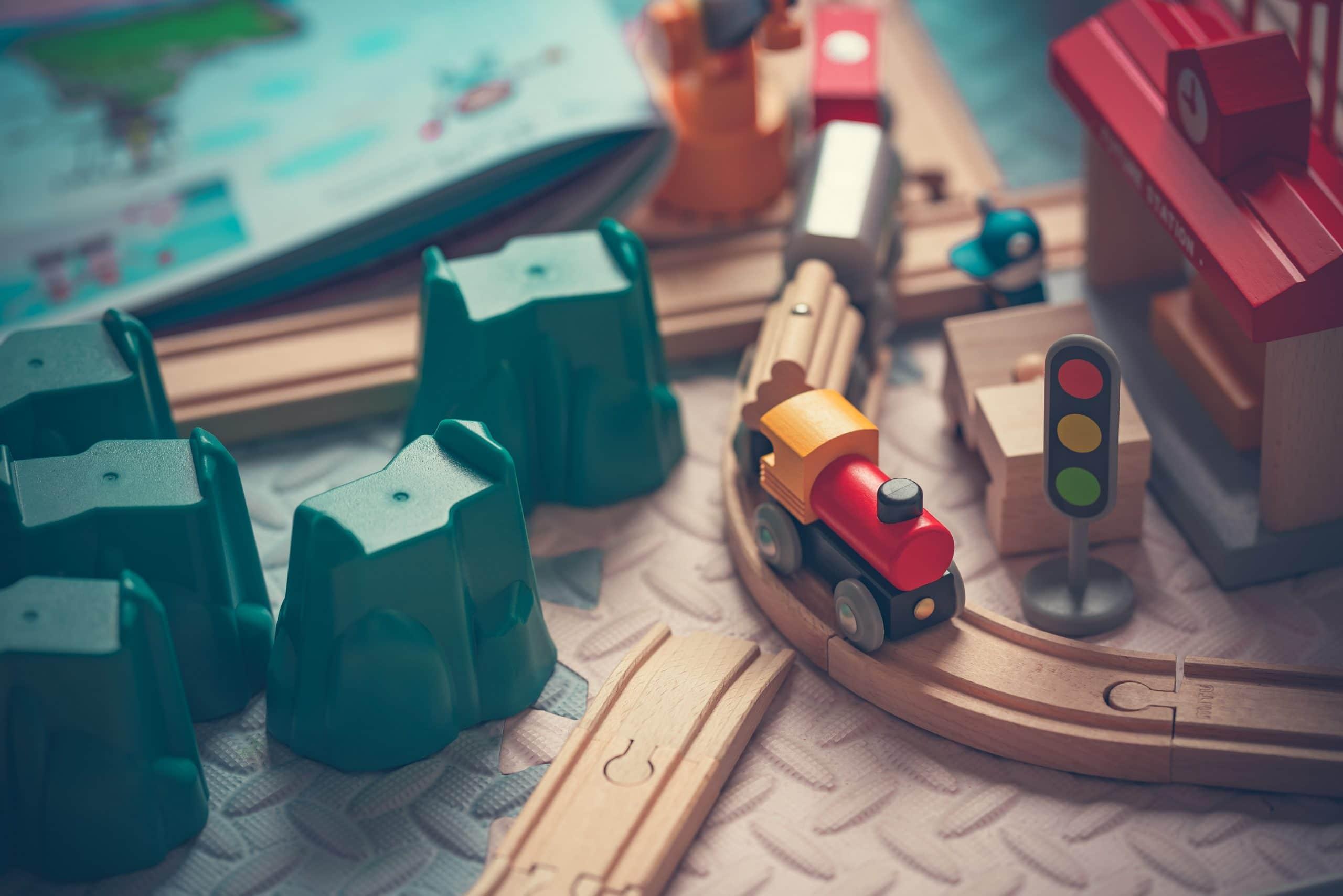 Train en bois 1
